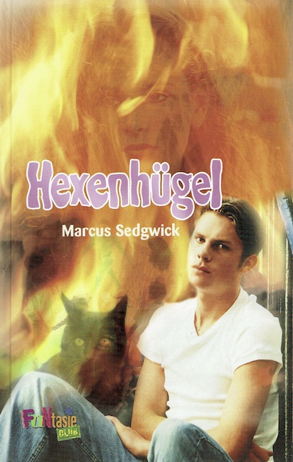 German cover of Witch Hill with boy sitting and flames in background.